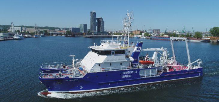 R/V Oceanograf wyposażony w E-NETMOS
